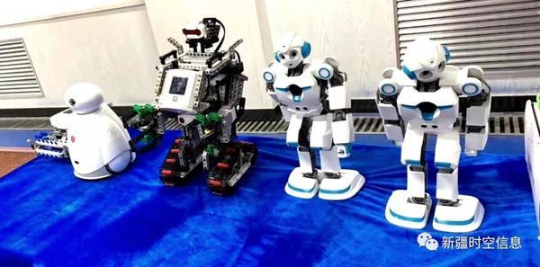 放飞科技梦想 体验成长快乐—— 多宝信息助力乌鲁木齐市第十一中学科技节!